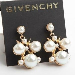 ★Givenchy Gold Pearl Cluster Post Earrings★